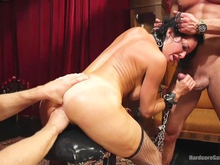 Veronica Avluv Gaped And Exposed!