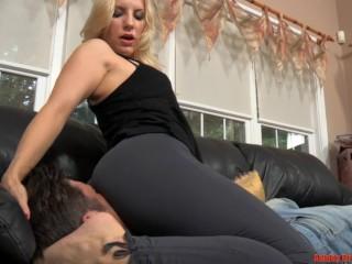 REAL VIDEO BY TETRA LOVELESS - FACESIT