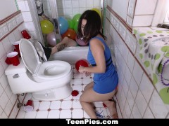 TeenPies – Hot College Babe Creampied At A Party