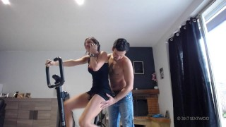 Fuck and creampie Bike gym Sextwoo/Baisée pendant sa gym à vélo  tits boobs stranger cum gym sextwoo pounded young fuck pawg brunette sport hottie teenager bike skirt fuck