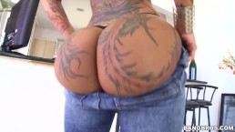 Sexy PAWG Bella Bellz Eats That Dick Well on BangBros (pwg14373)