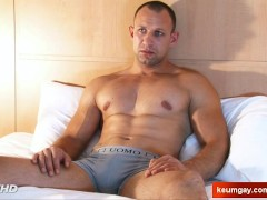 Boris handsome delivery guy get serviced by a guy!