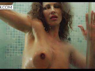 Reina Pornero - MILF in the Shower - XCZECH.com