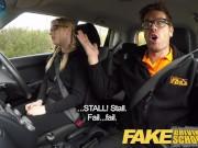 Fake Driving School - молодая студентка получает кончу внутрь за бесплатные уроки