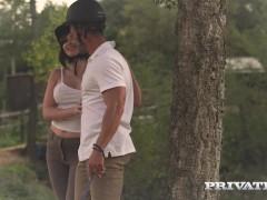 Private.com – Horse Rider Yasmin Scott Rides a Hung Stallion