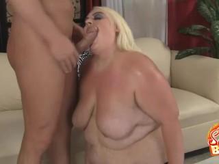 Blonde BBW Cheryl Lee Blowjobs