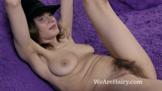 Pique Dame strips and masturbates on her couch