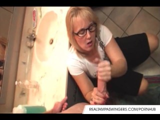 Hottie Wives Roberta Gives Perfect Handjob