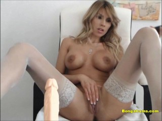 Horny college girl masturbates her pussy