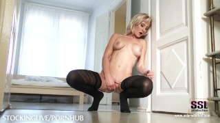 Blonde foot lover babe masturbates in stockings