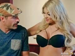 Kayla Kaydan makes man cheat - Brazzers