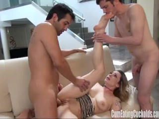 Dahli Sky gets her pussy pumped hard
