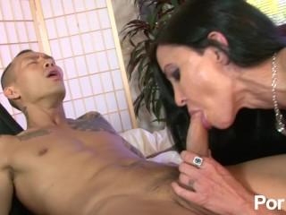 Image Big Titty Mommas 3 – La Escena 1