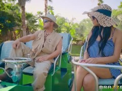 Brazzers – Swamp Buggy Booty