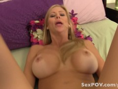 Virtual Sex with your girlfriend's mom. Alexis Fawx