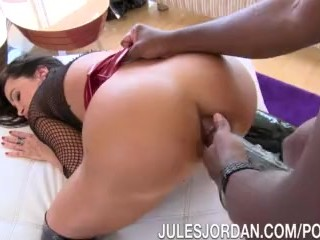 Jules Jordan - Lisa Ann Anal Silenced By Mandingo's Cock In Her ASS!