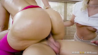 Brazzers - Client Needs More Than A Massage big-cock latina milf big-tits big-ass blonde thick big-boobs oil threesome anal brunette brazzers massage butt