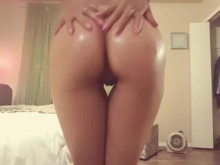 Oiled butt rubbing