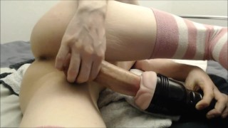 Big dicked twink has fun with fleshlight