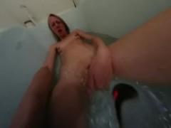 Girl in Bathtub HD