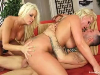Blonde beauties Britney and Sadie share a hard cock