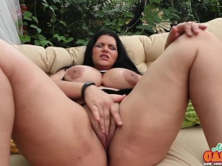 bbw angelina castro gets a faceful of jizz and squirts!