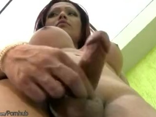 Feminine tbabe strips and makes her shecock grow into banana