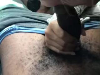 Girls pays driver with BJ Deepthroat