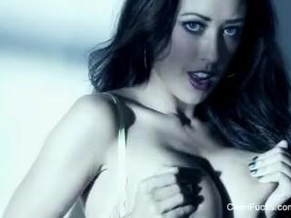 Busty brunette Capri Cavanni works her wet pussy