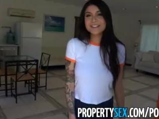 PropertySex- asiatica vogliosa e tettona inquilina si scopa il proprietario della casa per pagare l'affitto
