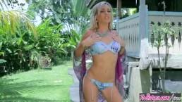 Twistys - Aloha Skye plays wit