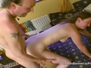Image Feo consejo de la finca de puta dispuesto a hacer anal en la cámara