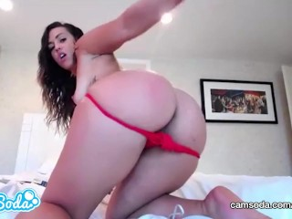 Kelsi Monroe big ass hottie fingering and rubbing her wet pussy.
