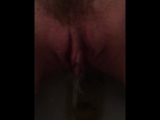 Spread my pussy while I pee