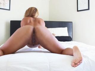 Hot MILF Shakes Her Ass For The Camera & Touches Herself