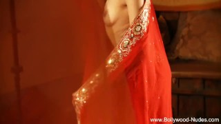 Bollywood Queen Of Erotic Dance Sexy MILF