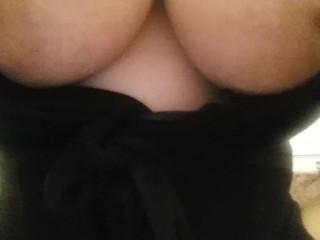 BIg Tits MIlf Does a Close Up PIss