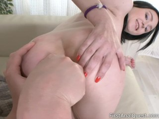 Kiara Gold got her ass fucked in amateur anal porn - FirstAnalQuest!