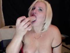 Deepthroating my dido with a wet creamy pussy