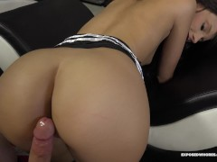 Bitch Step Sister With Great Ass Farrah Gets Her Stepbro Out Of The Room 4K
