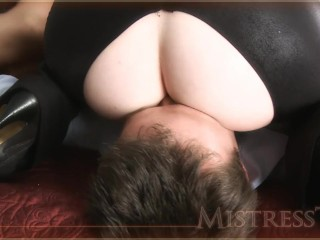 Pussy Galore smothers James Bond