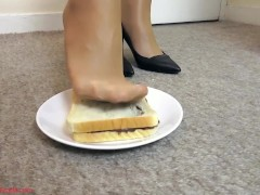 A delicious sandwich for your breakfast