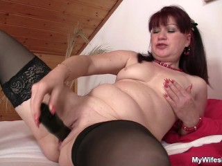 Wife finds her mom and BF fucking
