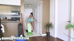 BANGBROS - Big Tit Latina Maid Julianna Vega Takes Dick (mda13561)