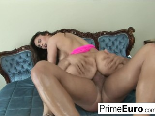 Sexy Laura Brown shows off her sexual skills