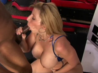pawg milf with huge breasts rides bbc after workout