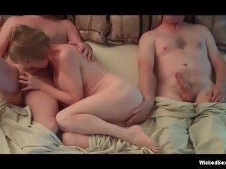 Hotel 3some For Wicked Sexy Granny