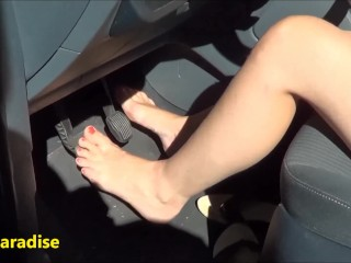 Pedal pumping in France - 2 girls with of beautiful feet