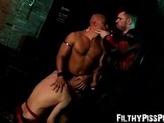 Yenier has wild piss fucking orgy with horny Peto Coast