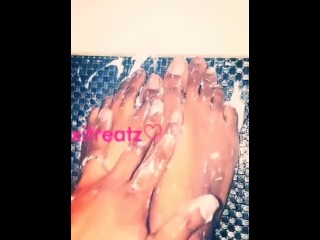 Silky Oily Toes